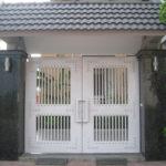 Mẫu cửa cổng sắt hộp 2 cánh đẹp